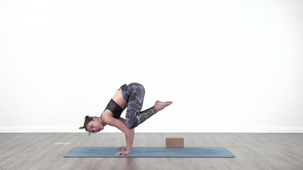 Crow Pose Tutorial_1