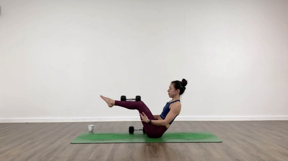 20-Min Yoga with Dumbbells_1