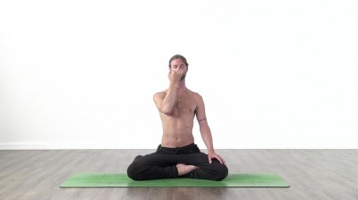 screenshot from online pranayama yoga class at Yogateket yoga studio in Uppsala sweden